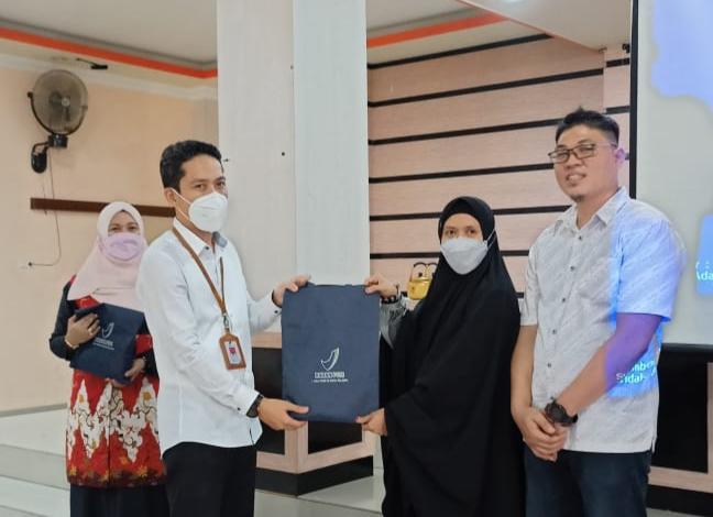 Dinas kesehatan kabupaten Luwu Timur pada kegiatan bimtek bagi Pengelola Sarana Pelayanan Kefarmasian, di di Aula Hotel Sikumbang, Tomoni, Sabtu (26/6/21).